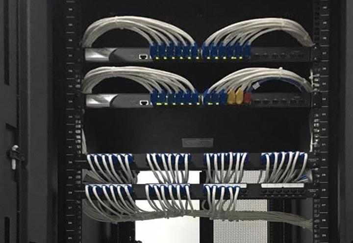 Tủ RACK quản lý tập trung dây tín hiệu của hệ thống camera Fedex Nội Bài