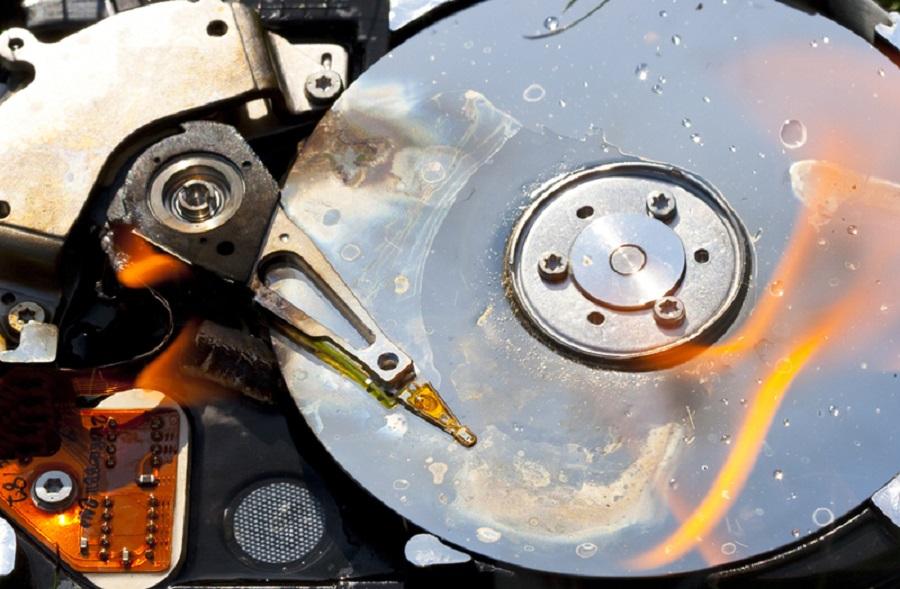 HDD sau một thời gian sử dụng sẽ bị hỏng hóc.