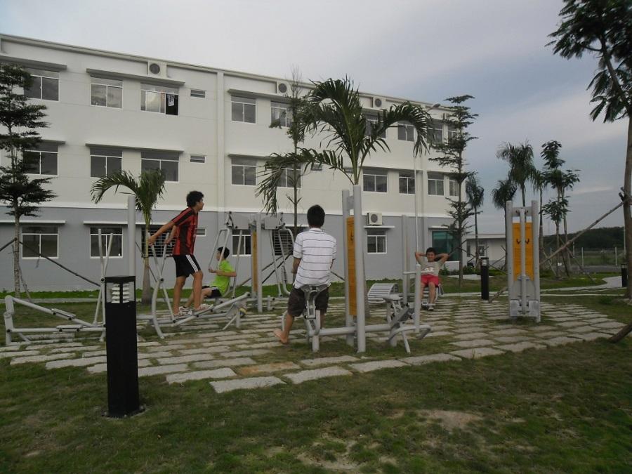 Công viên giải trí tại ký túc xá P&G Redamco Sông Hồng ở Bình Dương