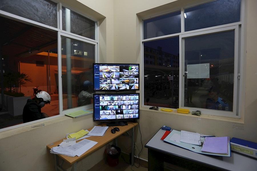 Toàn bộ màn hình quản lý được đặt ở phòng bảo vệ, giúp dễ dàng quan sát và xử lý khi sự cố xảy ra