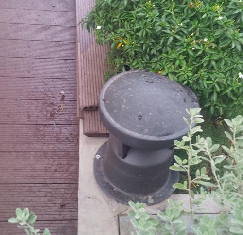 Loa outdoor được lắp ngoài sân vườn chịu được thời tiết mà vẫn ổn định lâu dài