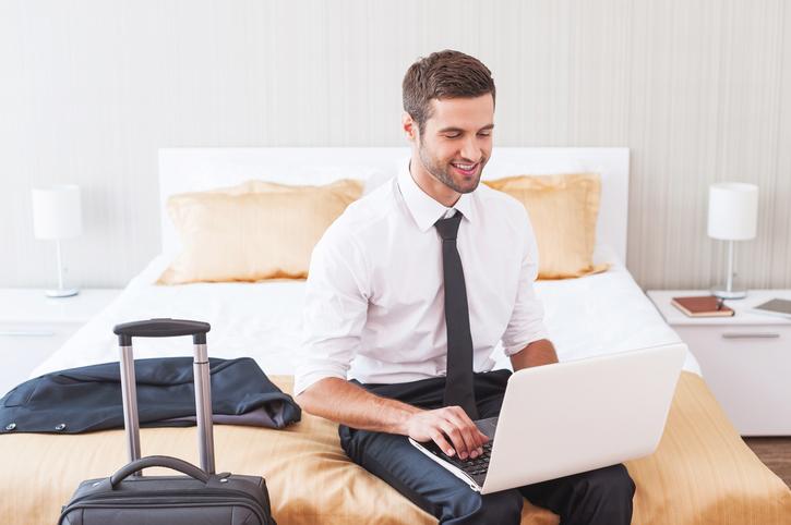 Khách hàng sẽ để lại ấn tượng rất tốt nếu khách sạn của bạn đáp ứng được yêu cầu truy cập WiFi. Nguồn từ Blog.Vizegy.com