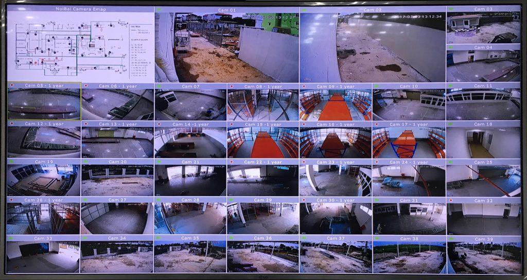 Xuất hình trực tiếp ra TV bằng thiết bị chuyên dụng. Có tích hợp bản đồ điện tử giúp cho người quản trị dễ dàng biết vị trí camera đối với hệ thống lớn.