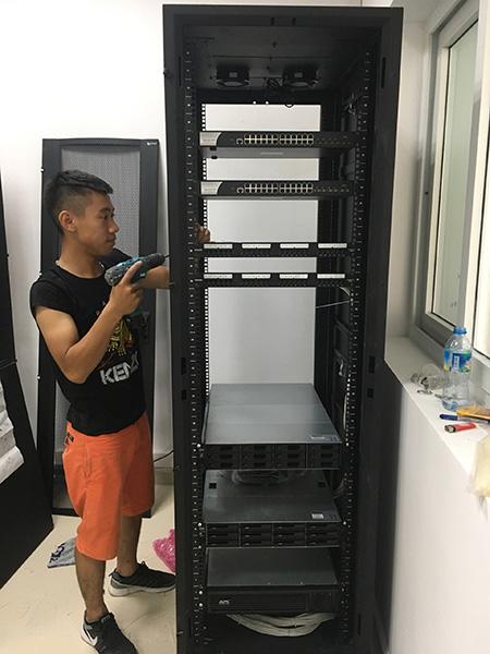 MNS đang thi công hệ thống camera an ninh cho Fedex Hà Nội