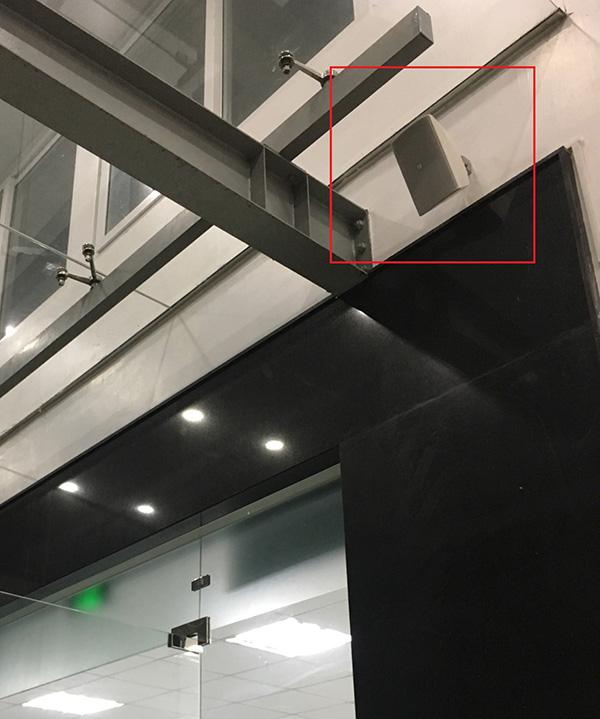 Loa thông báo ngoài tính năng thẩm mỹ, còn có khả năng lắp đặt Outdoor chống nước và bụi.